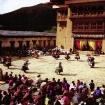 Uroczystość w trakcie budowy - tańce lamów