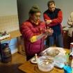 Lama Chhimi przygotowuje tormę ofiarną (Khordo Ruszen) 3